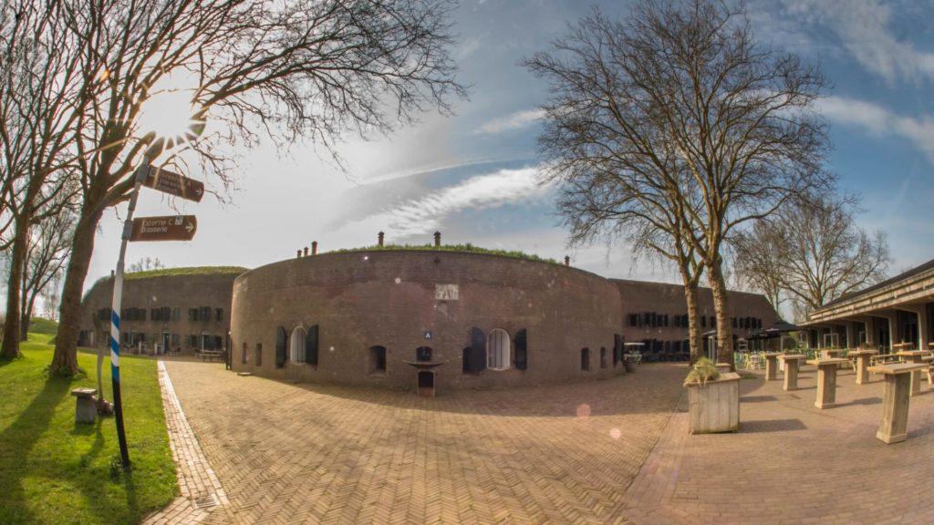 Fort_Altena_Ruimtes_Binnenplein (5)